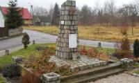 Krzyckow_Wielkie_-_pomnik.jpg